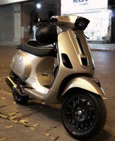 Vespa Scooters, Fiat 500, Bikers, Motor Car, Motorcycles, Cars, Nice, Random, Vehicles