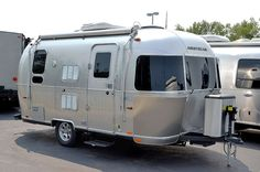 2015 AIRSTREAM FLYING CLOUD 19 Travel Trailer: 800-628-4889