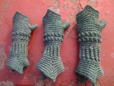 Crochet gauntlets...not period, but oh so neat! Free crochet pattern