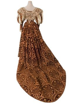 Evening Gown (image 3) | House of Worth | Paris | 1895 | velvet, satin | Les Arts Decoratifs