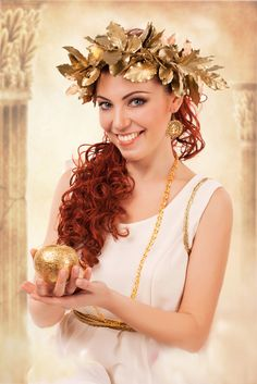 Toga attire and an elaborate golden laurel crown. Greek Toga, Roman Toga, Fancy Dress, Dress Up, Grecian Wedding, Toga Party, Elegant Outfit, Headpiece, Halloween Party