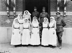 Nursing sisters .First World War, in front of a Casualty Clearing Station.