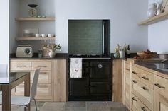 Küche aus echtem Holz.