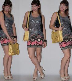 Look do dia: como usar blusa de paetê durante o dia. Blusa de paetê com saia de estampa etnica no look para passar o fim do mundo. Blog de moda e estilo.