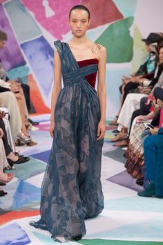 See the complete Schiaparelli Fall 2016 Couture collection.