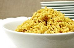 Arroz integral light ao curry | Panelinha - Receitas que funcionam