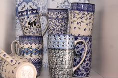 Kannen & Potten moooooooooooooooooooooooie site  nederland xxxxxxxxxxxxxxxxxxxxxx Polish Pottery, Home Decor Styles, Dinnerware, Blue And White, Kitchen Things, Ceramics, Mugs, Tableware, Monochrome