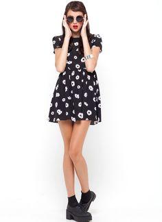 Topi Tea Dress in Black Daisy Print by Motel