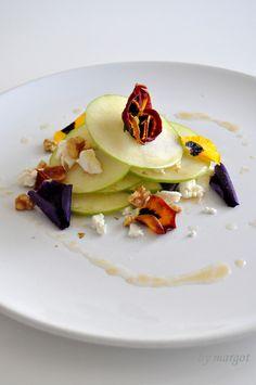 Ensalada de manzana, queso, nueces y pensamientos con vinagreta agridulce. | Margot - Cosas de la Vida
