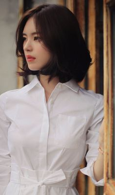 10 Brightest Medium Length Layered Hairstyles for a Memorable New Year - On the off chance that you start the first day of new-year with any of these Medium Length Layered - Korean Beauty, Asian Beauty, Asian Woman, Asian Girl, Medium Hair Styles, Short Hair Styles, Medium Length Hair With Layers, Asian Short Hair, Soft Hair