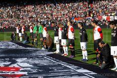 Voorafgaand aan de wedstrijd Feyenoord - FC Utrecht werd oud speler van beide ploegen, Wlodzimierz Smolarek, herdacht. Hij overleed eerder deze week op 54-jarige leeftijd. 11-03-2012