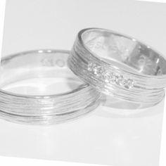 Image of Handgemaakte trouwringen met lijntjesmotief-zilver, te Schilde, bij Antwerpen
