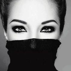 beautiful eyes/black and white photography