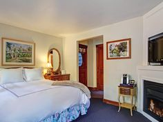 Spend some time in a #cozy feather bed at #BabblingBrookInn and you might never want to leave! #travel #InnsbytheSea #comfortable