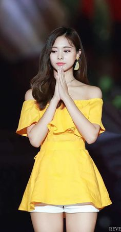 Tzuyu goddess of beauty Nayeon, South Korean Girls, Korean Girl Groups, Tzuyu Body, Twice Tzuyu, Kim So Eun, Chou Tzu Yu, Jihyo Twice, Twice Kpop