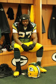 Eddie Lacy. Can't wait to see his sophomore year, great running back!