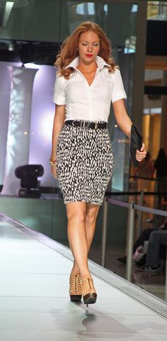 I was lucky enough to stop at the Fashion Show Mall in Las Vegas in August 2011, just in time to catch a fashion show sponsored by Ann Taylor. The models were absolutely stunning, the Ann Taylor outfits were both classy and professional. The only dra I love fashion! repin if you love fashion too!