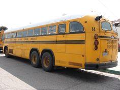 Bus Stop Classic: Crown Motor Coaches – California Royalty School Bus Camper, Old School Bus, Rv Bus, School Buses, Heavy Duty Trucks, Heavy Truck, Customised Trucks, International Harvester Truck, California History