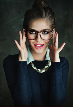 She has on way too much makeup, but I love everything else about this! Nerdy cuteness♥