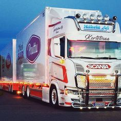 #kortetmaa #teamkannus #rmäkelä #nextgenerationscania #nextgen #nextgenscania #scania #scaniasuomi #scaniachallenge #scaniagram #vak #customparts #ristimaacustoms #pouttu #scaniar580 #r580 #v8 #makkarajuna #powertruckshow #pts2017 #rekkafoto #heavytruckers #paytren_indonesia_truck_lovers #paytren_losari_truck_lovers