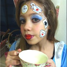 Alice In Wonderland face paint teacups & cards Disney Face Painting, Painting For Kids, Body Painting, Mad Hatter Makeup, Mad Hatter Party, Alice In Wonderland Makeup, Alice In Wonderland Tea Party, Maquillage Horrible, Easter Face Paint