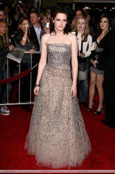 KRISTEN STEWART  DRESSING  | Kristen Stewart Which Long dress do you like best?