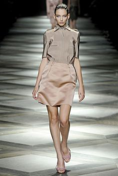 Lanvin Spring 2009 Ready-to-Wear Fashion Show - Georgina Stojilkovic