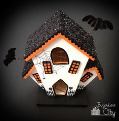 DIY Halloween Haunted Houses! Birdhouses work great too! (Diy Halloween Money)