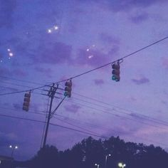 This sky is my aesthetic (had a band concert tonight, it was my last one at middle school) purple Violet Aesthetic, Lavender Aesthetic, Sky Aesthetic, Aesthetic Colors, Aesthetic Images, Aesthetic Grunge, Aesthetic Backgrounds, Aesthetic Photo, Aesthetic Anime