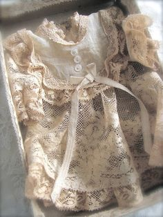 Raindrops and Roses Antique Lace, Antique Dolls, Vintage Dolls, Vintage Lace, Vintage Dresses, Vintage Outfits, French Vintage, Baptism Dress, Christening Gowns