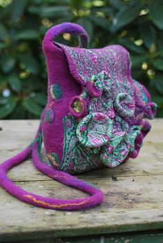 LOVE this hand felted bag by sassafrasdesign! It looks as if it was simply made in nature :)