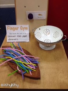 Finger Gym - threading pipe cleaners, toddler activity for fine motor skill development Fine Motor Activities For Kids, Eyfs Activities, Nursery Activities, Motor Skills Activities, Gross Motor Skills, Preschool Activities, Free Preschool, Preschool Curriculum, Preschool Learning