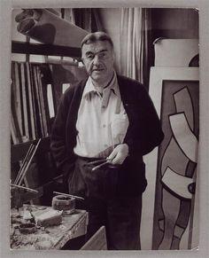 Fernand Léger dans son atelier. 86 rue Notre-Dame-des-Champs. Orne. Normandie. France. 1937.