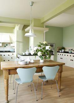 Une cuisine ouverte entre modernité et tradition. - Marie Claire Maison