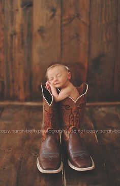 Must do infant photo in the cowboy boot! Adorable