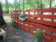 A great yard divider! Made from 2 pallets that are and are being held in place by driving into the ground. The were cut into a point to make it easy. Then stain and place plants! Can't wait for plants to start climbing! Backyard Patio, Backyard Ideas, Dividers, Outdoor Furniture, Outdoor Decor, Pallets, Climbing, Canning, Easy