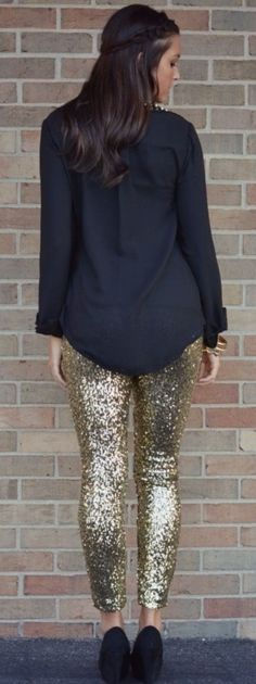 Sequin Leggings New years outfit? New Years Outfit, New Years Eve Outfits, New Years Eve Outfit Ideas Winter, Passion For Fashion, Love Fashion, Womens Fashion, Fashion 2016, Sequin Leggings, Glitter Leggings