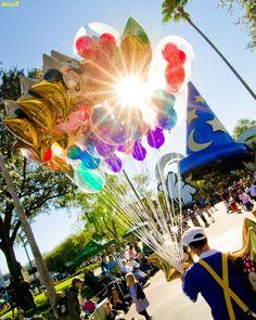 maryfoundnemo:  Disney's Hollywood Studios - Balloon Piercing Lasers by Tom Bricker (WDWFigment) on Flickr.