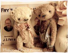 Vintage bears, very sweet.