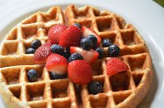 Yummy Tummy Waffles, Family Favorites #sagespoonfuls #makeyourown #familymeals #healthykids