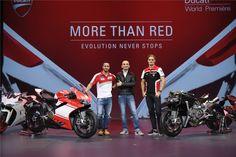 """Sob o mote """"More than Red: Evolution never stops"""" (tradução livre: """"Mais que vermelho: A evolução nunca pára""""), a Ducati inaugurou as apresentações da EICMA Milão e deu a conhecer duas novas Monsters (797 e 1200), a nova Multistrada 950, as duas novas Scramblers Desert Sled e Cafe Racer, e a novíssima Superleggera 1299."""