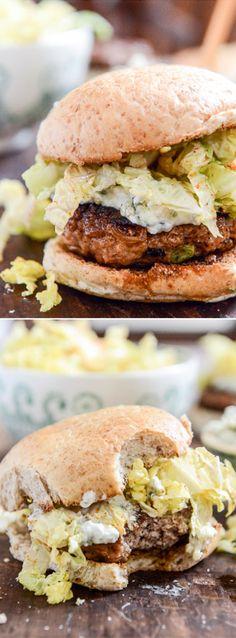 Turkey burgers with chili garlic slaw and creamy gorgonzola Clean Eating, Healthy Eating, Tasty, Yummy Food, Cooking Recipes, Healthy Recipes, Burger Recipes, Slider Recipes, Turkey Burgers