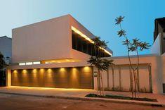 PAVLOFF - REGALINI & Asociados / Estudio de Arquitectura - Casa actual racionalista / Arquitecto / A - PortaldeArquitectos.com