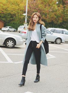 Pinterest : GreenTea CakeRoll #korean #fashion #koreanfashion #outfits #outfitideas #clothing #apparel #coat #fallfashion #springfashion #minimal #casual
