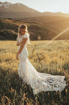 must take photos wedding dress bride outdoor field kelsie emm-photography