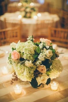 Rose and Hydrangea Centerpiece | photography by http://jessbarfield.com/