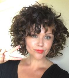 Best Curly Bob Hairstyles for Women with Chic look is part of Curly hair styles - Hair length is very important If you have a curly hair type, we offer you the most beautiful curly bob hairstyles recommendations Let's take a look these Curly Hair Styles, Short Curly Hairstyles For Women, Short Curly Bob, Curly Hair Cuts, Curly Hair With Bangs, Curly Bob Hairstyles, Hairstyles With Bangs, Short Hair Cuts, Bangs Hairstyle