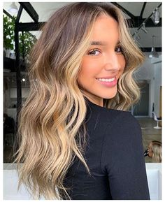 Brown Hair Balayage, Hair Color Balayage, Blonde Color, Hair Highlights, Blonde Balayage, Color Highlights, Ombre Hair, Wavy Hair, Gorgeous Hair Color