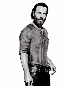 "I ❤️️ THIS FITTED SHIRT ON ANDREW LINCOLN AS  ""RICK GRIMES""  WHICH SHOWCASES HIS VERY NICE PHYSIQUE.  I HOPE SEASON 5 SHOWS MORE OF THIS."