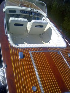 Greavette Sunflash IV, 18 ft, 1972 with African Mahogany planking.